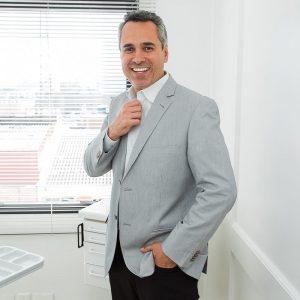 Dr. Gustavo Mota